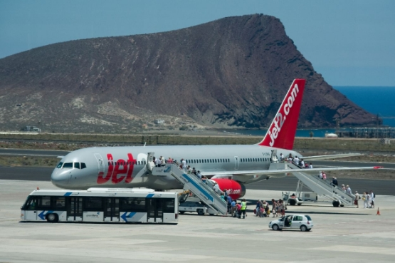 Tenerife Airports Reina Sofia (TFS, GCTS) and Los Rodeos (TFN, GCXO)