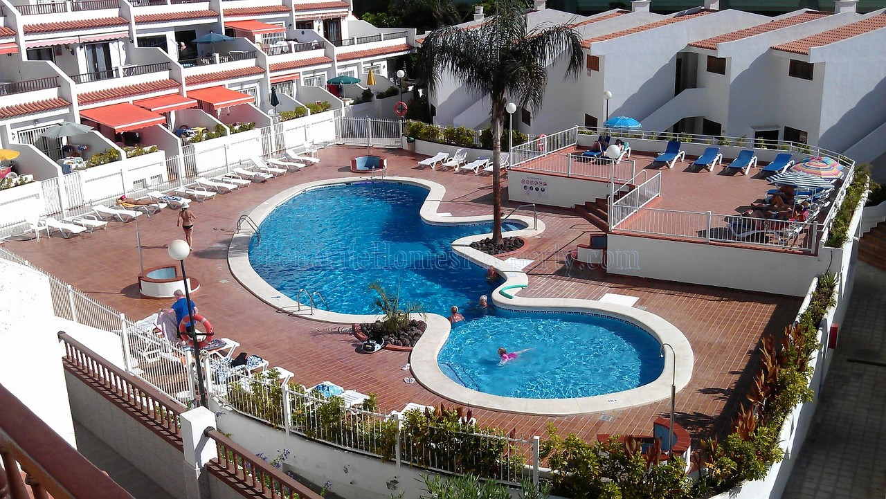1 bedroom apartment for sale in popular complex Ocean Park, San Eugenio Bajo, Tenerife €280.000