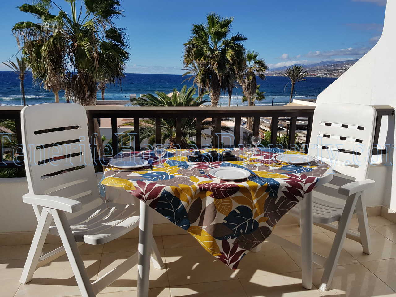 Oceanfront apartment for sale in Parque Santiago 2, Playa de Las Americas, Tenerife €420.000