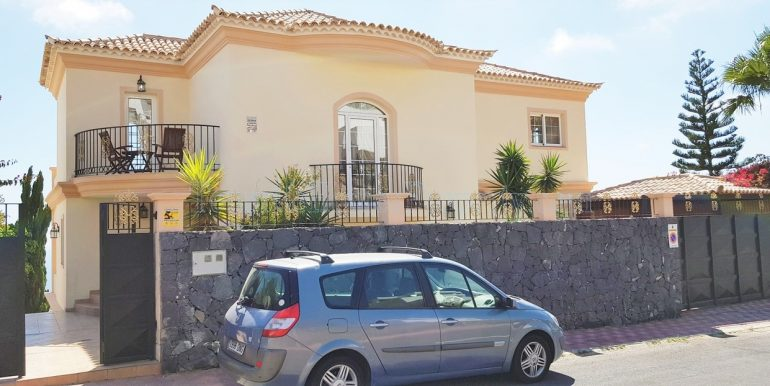 5-bedroom-luxury-villa-for-sale-in-roque-del-conde-costa-adeje-tenerife-38670-1119-25