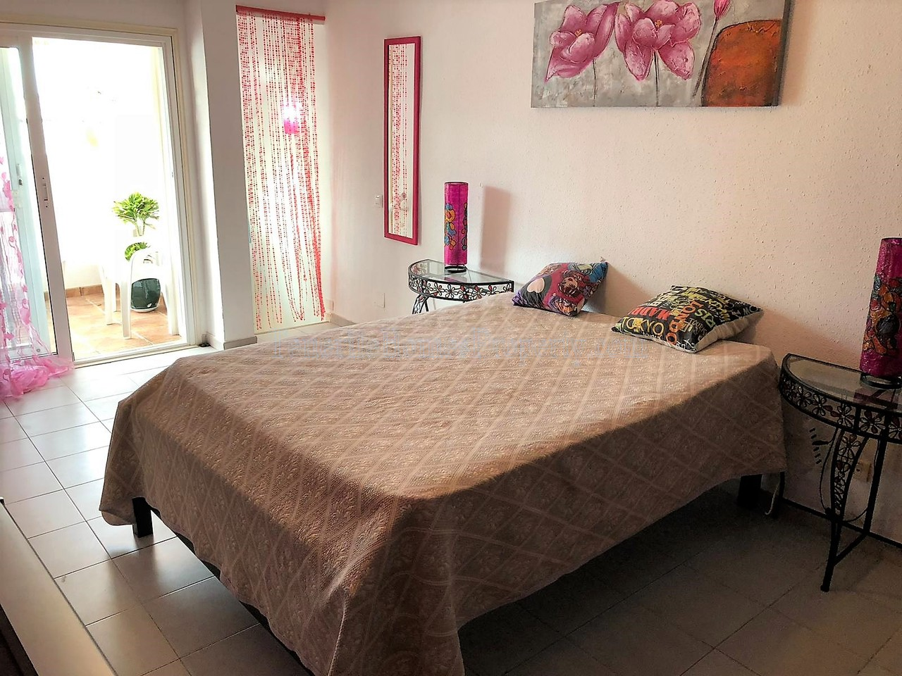 1 bedroom apartment for sale in Colina Blanca, San Eugenio, Costa Adeje, Tenerife €138.000