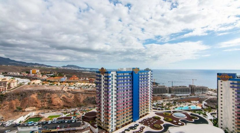 1-bedroom-apartment-for-sale-in-playa-paraiso-tenerife-38678-0109-01