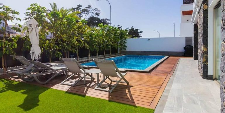 luxury-villa-for-sale-in-los-cristianos-tenerife-canary-islands-spain-38650-0309-01