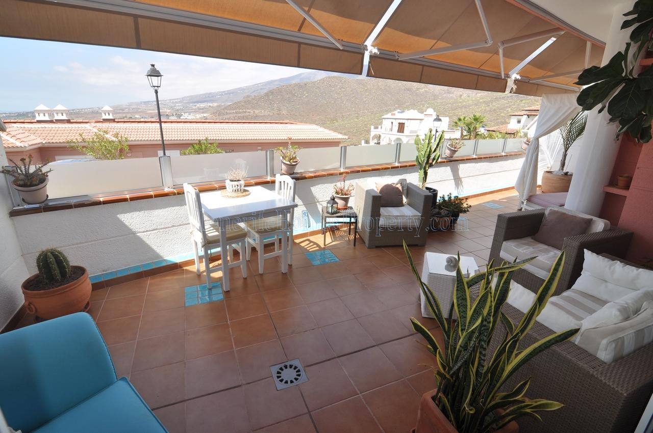 2 bedroom apartment for sale in Roque del Conde, Costa Adeje, Tenerife €290.000