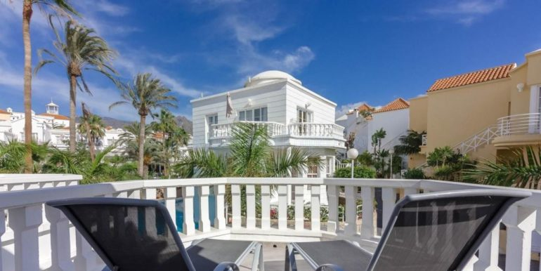 exclusive-seafront-villa-for-sale-in-tenerife-costa-adeje-38660-0512-06