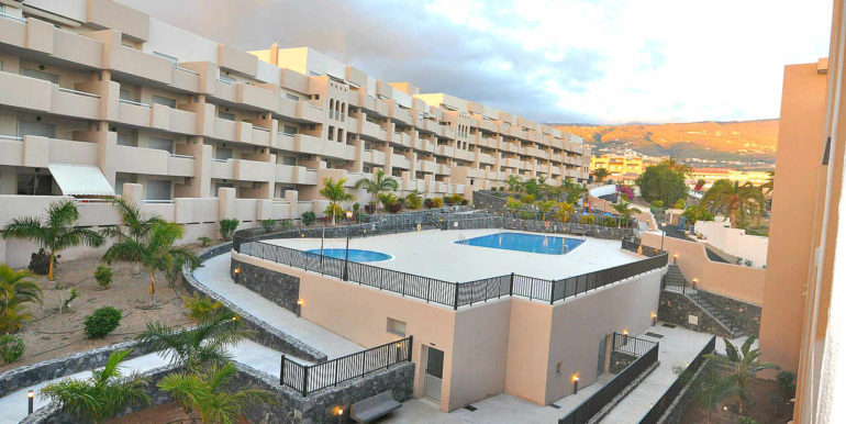 2-bedroom-apartment-for-sale-playa-paraiso-tenerife-canary-islands-spain-38678-1018-01