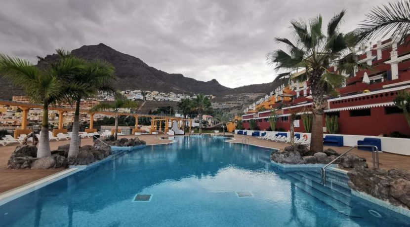 Luxury 2 bedroom apartment for sale in Torviscas, Costa Adeje, Tenerife, Canary Islands, Spain. The apartment is located in the exclusive Roque del Conde.